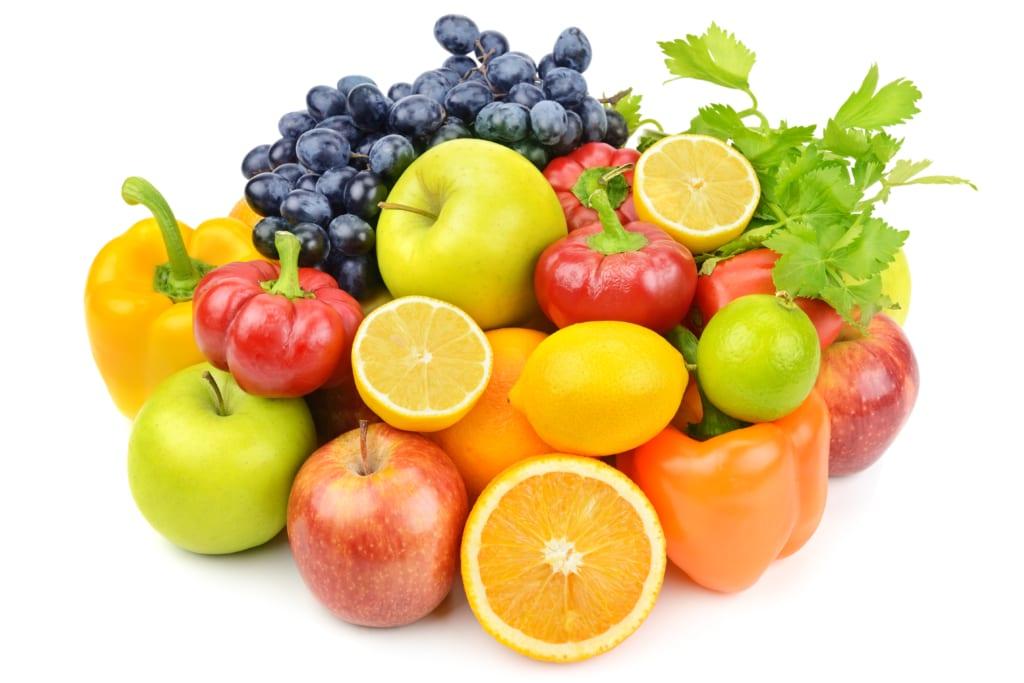 Viele verschiedene Obst- und Gemüsesorten